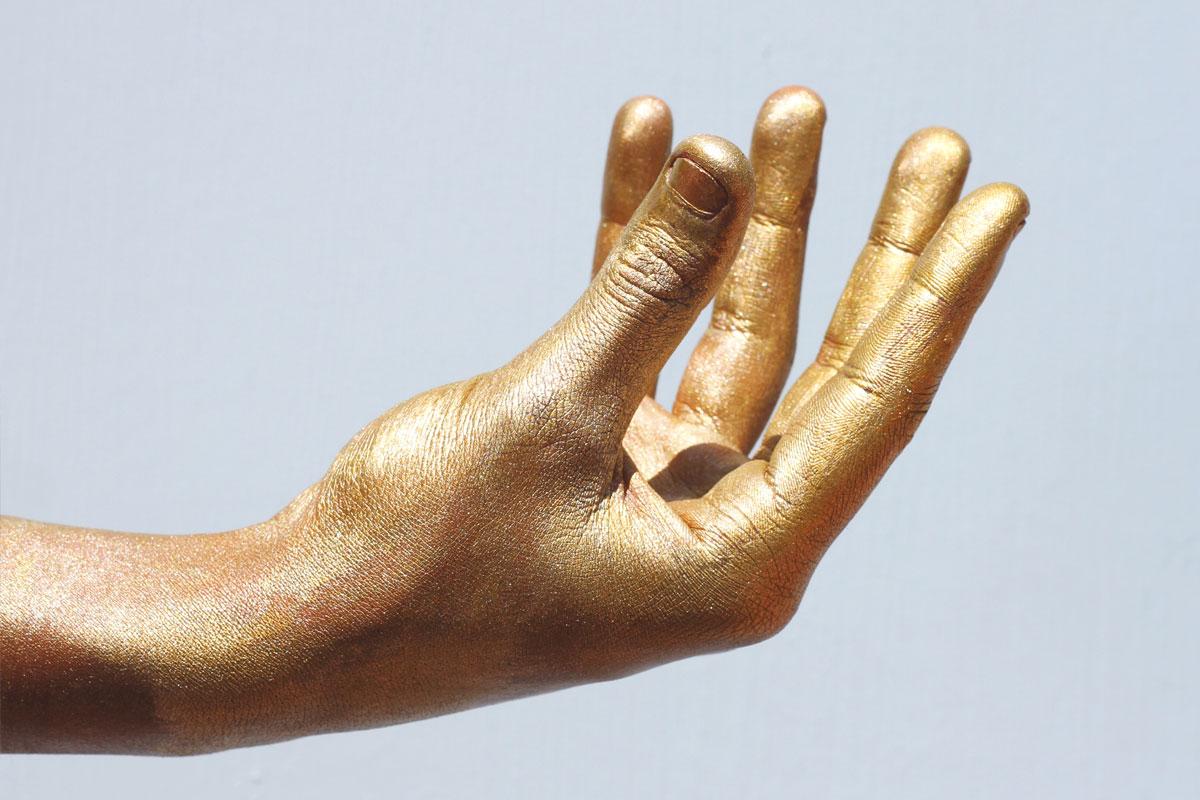 hands_districtsixmuseum4